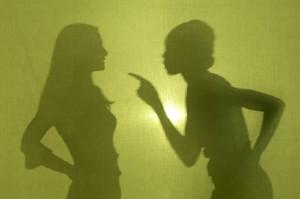 Silhouette-women-arguing